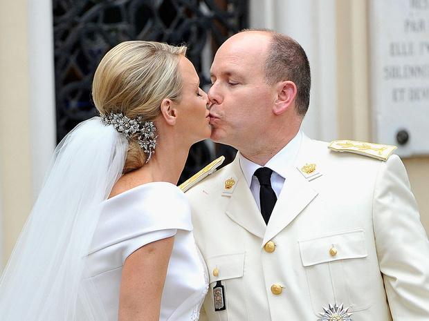 Фото №2 - Развод или временные трудности: что происходит с браком княгини Шарлен и князя Альбера II