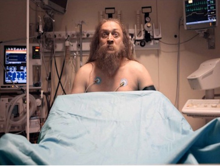 Фото №2 - Наивные медицинские мифы, к которым нас приучили фильмы и сериалы