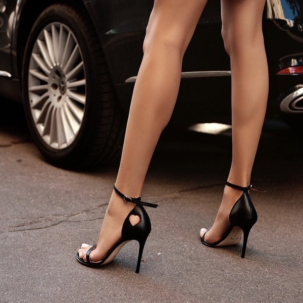 Фото №3 - Открытая щиколотка и ботфорты: осенняя обувь— тренды сезона