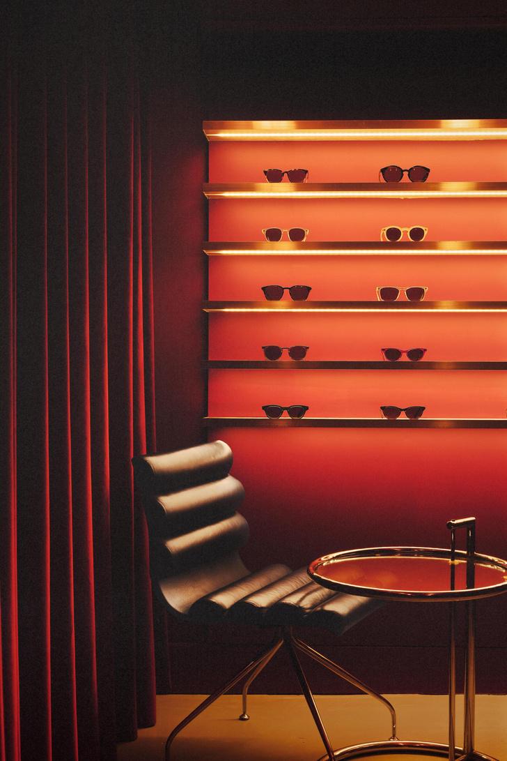 Фото №10 - Бутик оптики с винтажной мебелью в Лондоне