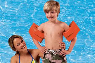 Фото №13 - Аксессуары для грудничкового плавания: что взять с собой в бассейн?