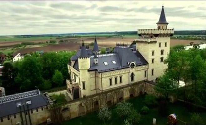 Фото №3 - Орбакайте показала самую загадочную деталь сада Пугачевой: видео