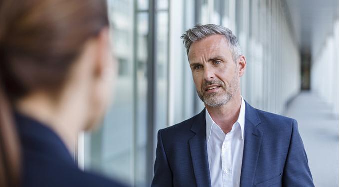 Признаки лжи: как выявить обманщика по речи и поведению