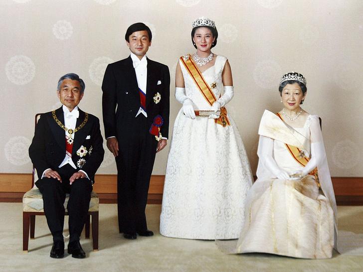 Фото №1 - Особая монархия: 6 самых странных правил японского королевского протокола