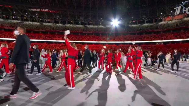 Фото №5 - Танцы ча-ча-ча, выступление актеров кабуки: как прошло открытие Олимпиады-2020 [прямая трансляция]