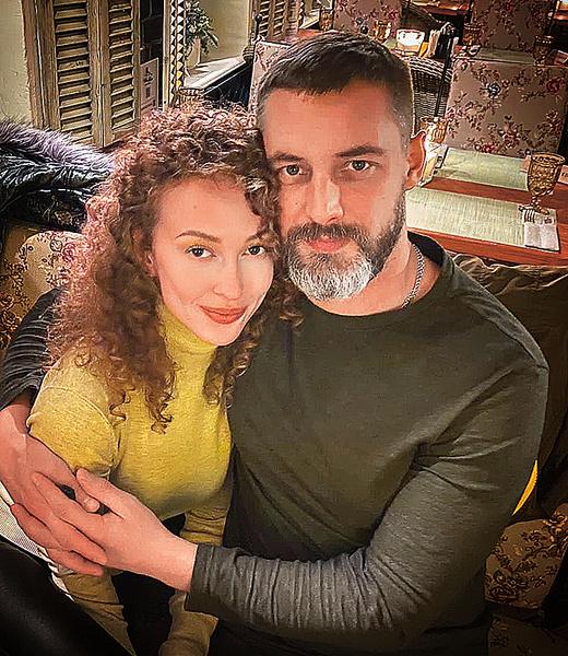 Антон Батырев: биография, личная жизнь, интервью, фото с женой и ребенком