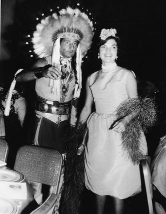 Фото №3 - Модный список Первой леди: любимые бренды Жаклин Кеннеди