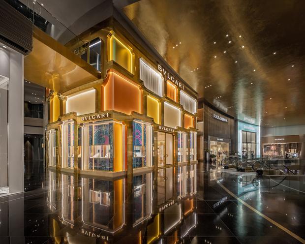Фото №2 - Новый бутик Bvlgari в Бангкоке по проекту MVRDV