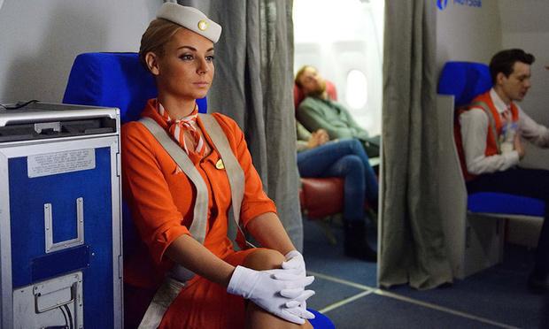 Фото №1 - Стюардесса рассказала, почему ремни безопасности у бортпроводников прочнее, чем у пассажиров (видео)