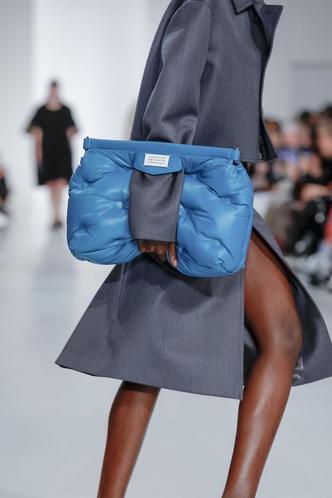 Фото №2 - Дутая сумка— самая уютная сумка этой осени 👜🍂