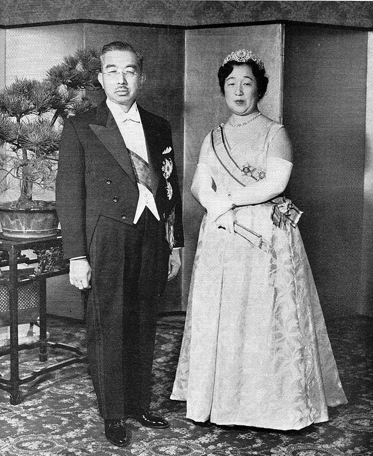 Фото №11 - «Изобилие и добродетель»: жизнь 124-го императора Японии Хирохито в 15 фотографиях