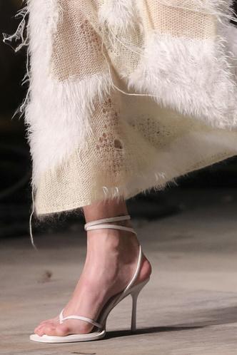 Фото №13 - Самая модная обувь осени и зимы 2021/22