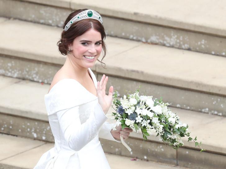 Фото №6 - Особое доверие: кому из королевских невест Елизавета II одолжила самую дорогую тиару