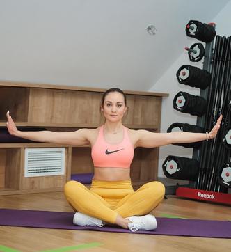 упражнения для спины и шеи при сколиозе для женщин девушек ровной спины с фото пошагово