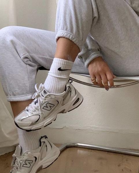 Фото №3 - Как разносить кроссовки: 5 самых проверенных способов