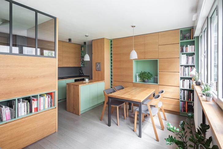 Фото №1 - Маленькая студия 30 м² со встроенной мебелью в Париже
