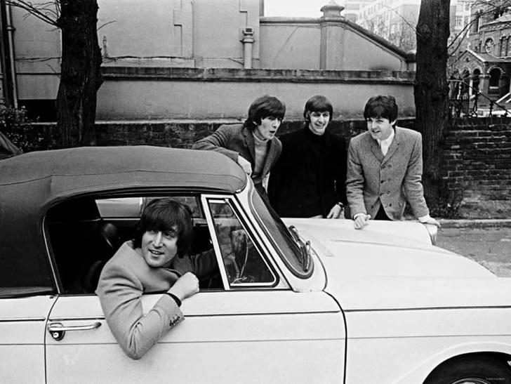 Фото №1 - «Бэйби, ю кэн драйв май кар». Главные автомобили в жизни Джона Леннона