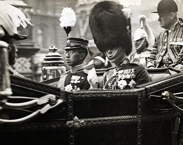 Фото №2 - «Изобилие и добродетель»: жизнь 124-го императора Японии Хирохито в 15 фотографиях