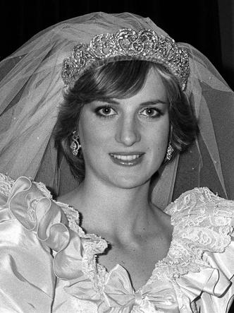 Фото №3 - Символ несчастливого брака: все, что нужно знать о фамильной тиаре Спенсеров