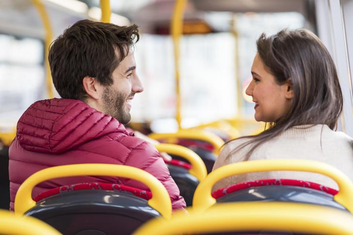 Фото №1 - Любовь с первой улыбки: девушка два года искала понравившегося пассажира автобуса