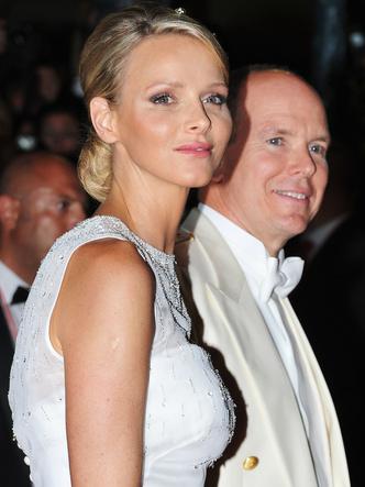 Фото №4 - После венчания: вторые свадебные платья королевских невест