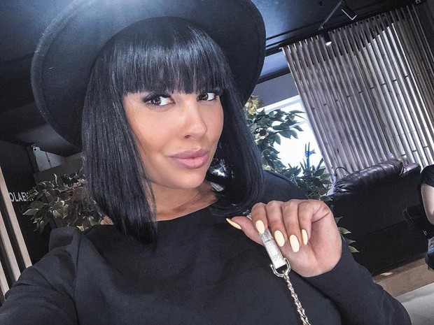 Фото №1 - После развода Нелли Ермолаева намерена влюбиться, «накачать попу-орех» и «записать альбом хитов»