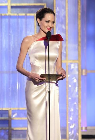 Фото №32 - Легенды «Золотого глобуса»: самые знаменитые наряды в истории премии
