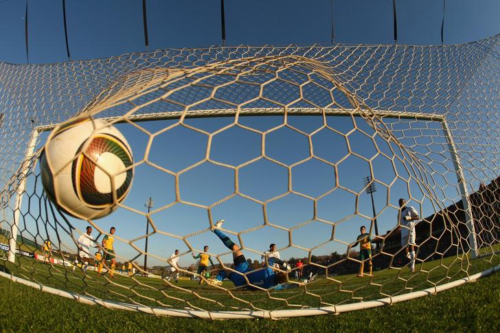 Фото №1 - Скорая видеопомощь: как технологии изменили футбол