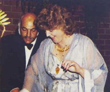 Фото №1 - Это по любви: как австралийка вышла замуж за индийского принца, изменила ему с любовником и заразилась смертельной болезнью