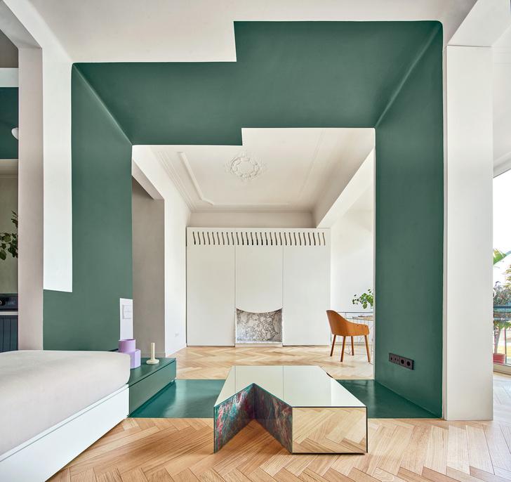 Фото №1 - Квартира с зеленой перегородкой в Барселоне