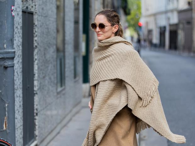 Фото №11 - Как носить объемный шарф и не утонуть в нем: 6 модных приемов