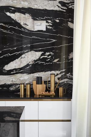 Фото №9 - Квартира с элементами нового ар-деко в Париже