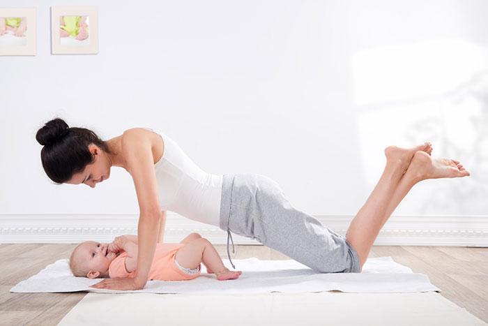 упражнения для восстановления после родов с ребенком