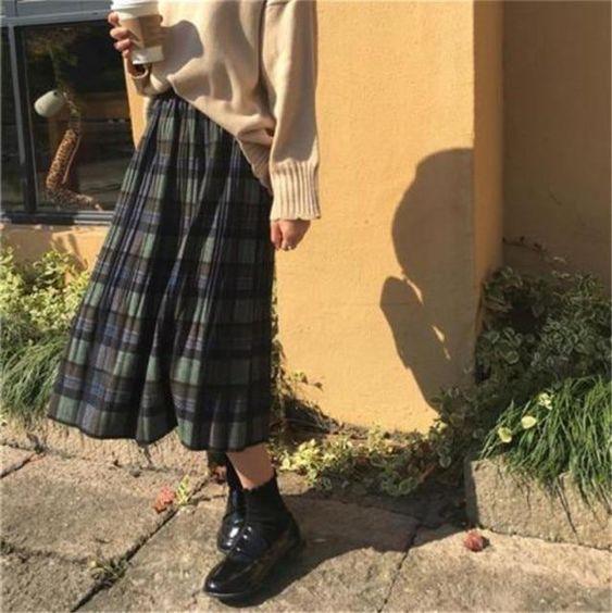 Фото №2 - C чем носить юбку в клетку?