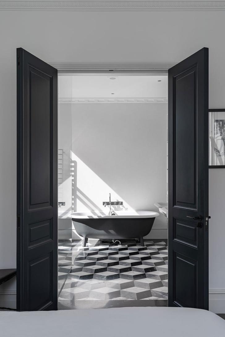 Фото №10 - Квартира с красной лестницей в Лондоне