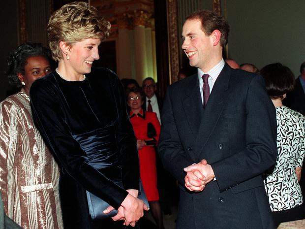 Фото №2 - Повторение судьбы: почему принц Эдвард так долго не делал Софи предложение