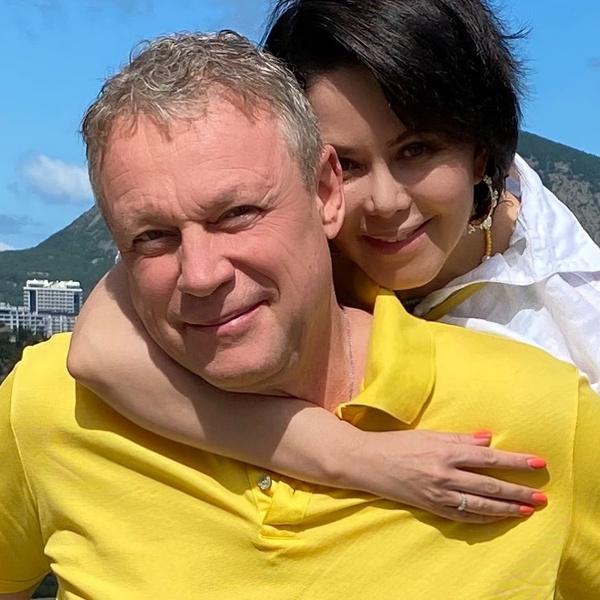 Фото №2 - Новая жена Жигунова намекнула, что планирует родить ему ребенка