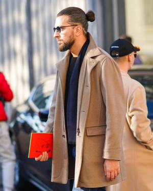Фото №15 - 9 стильных стрижек для мужчин: тренды осени-2020