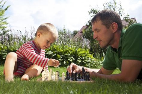 Фото №2 - Методика Береславского: «Даже трехлетний ребенок способен обставить вас в шахматы!»