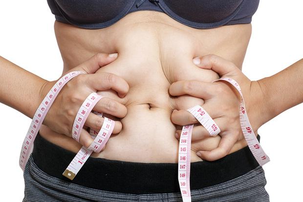 Фото №1 - Пора браться за живот: питание, спорт, пластика