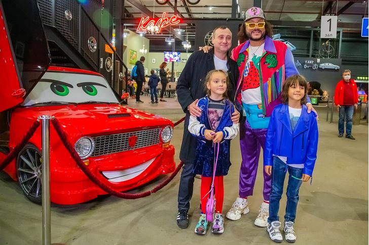 Дмитрий Октябрьский и Филипп Киркоров с детьми