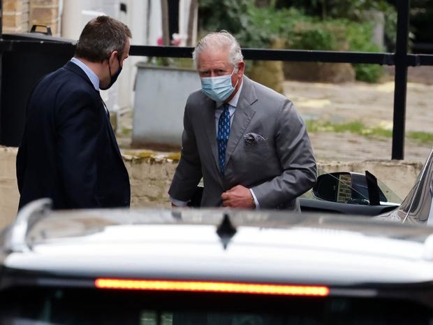 Фото №4 - Как отношения Чарльза с отцом изменились перед смертью принца Филиппа (и почему)