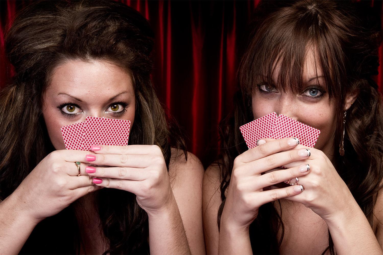 Играть карты и покер на раздевание как в карты играть в 21 очко в карты 36 карт