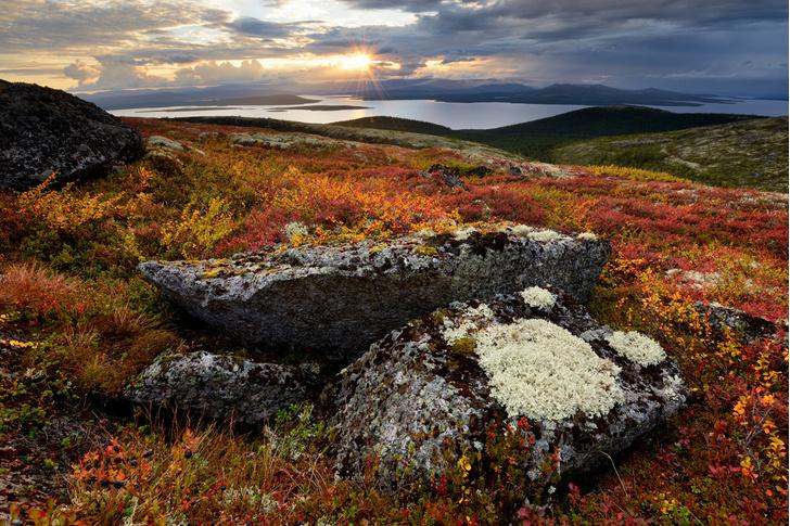 Фото №1 - Какое озеро крупнейшее на Кольском полуострове?