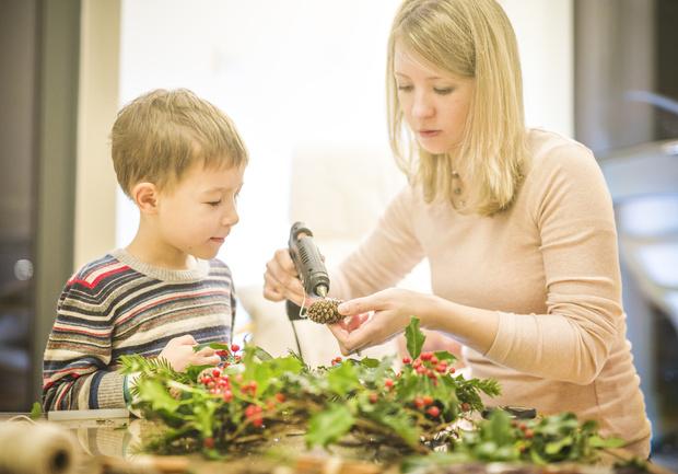 Фото №1 - В чем польза поделок для садика, если их делают родители