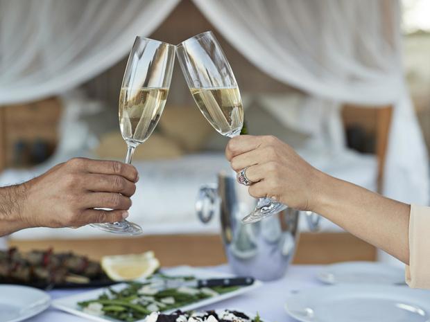 Фото №5 - Столовый этикет: как правильно подбирать бокалы под вино