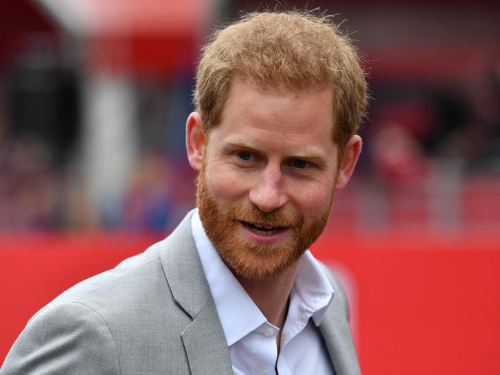 Фото №1 - Первый человек, которому Гарри сообщил о рождении дочери (это не Чарльз и не Уильям)