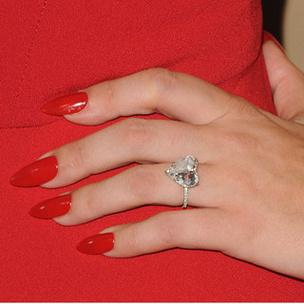 Фото №6 - Тест: Выбери кольцо, а мы скажем, когда ты выйдешь замуж