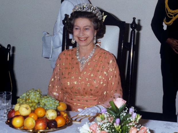 Фото №1 - 5 продуктов, которые ни за что не съест Королева