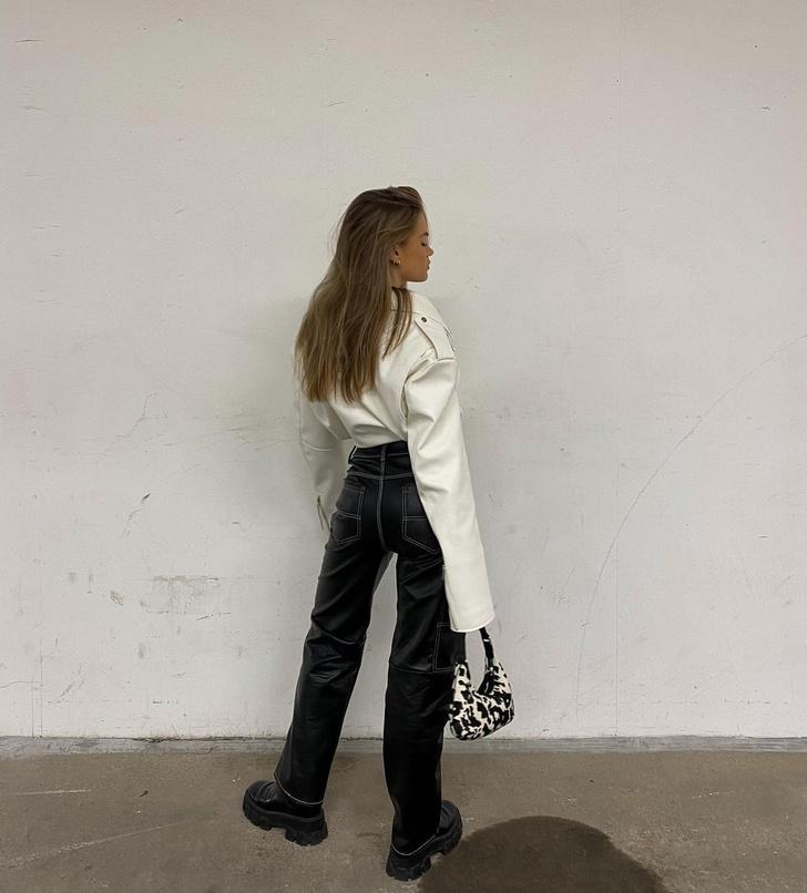 Фото №2 - Как создать очень модный образ с кожаными брюками? Показывает инфлюенсер Ханна Шонберг